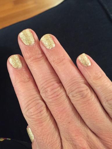 Gold medal fingernails